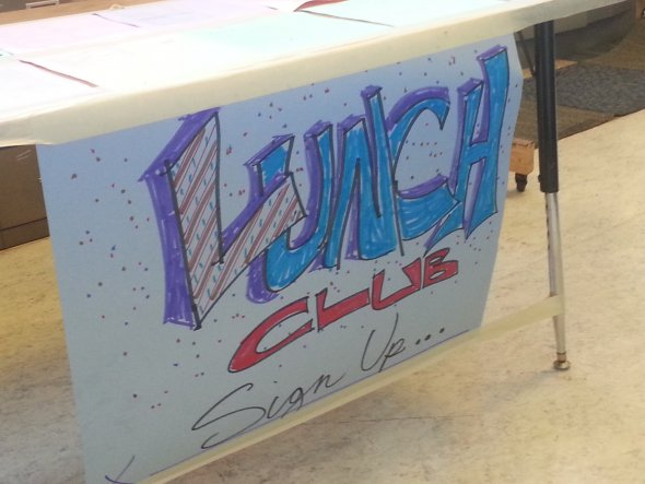 Lunchtime clubs sign